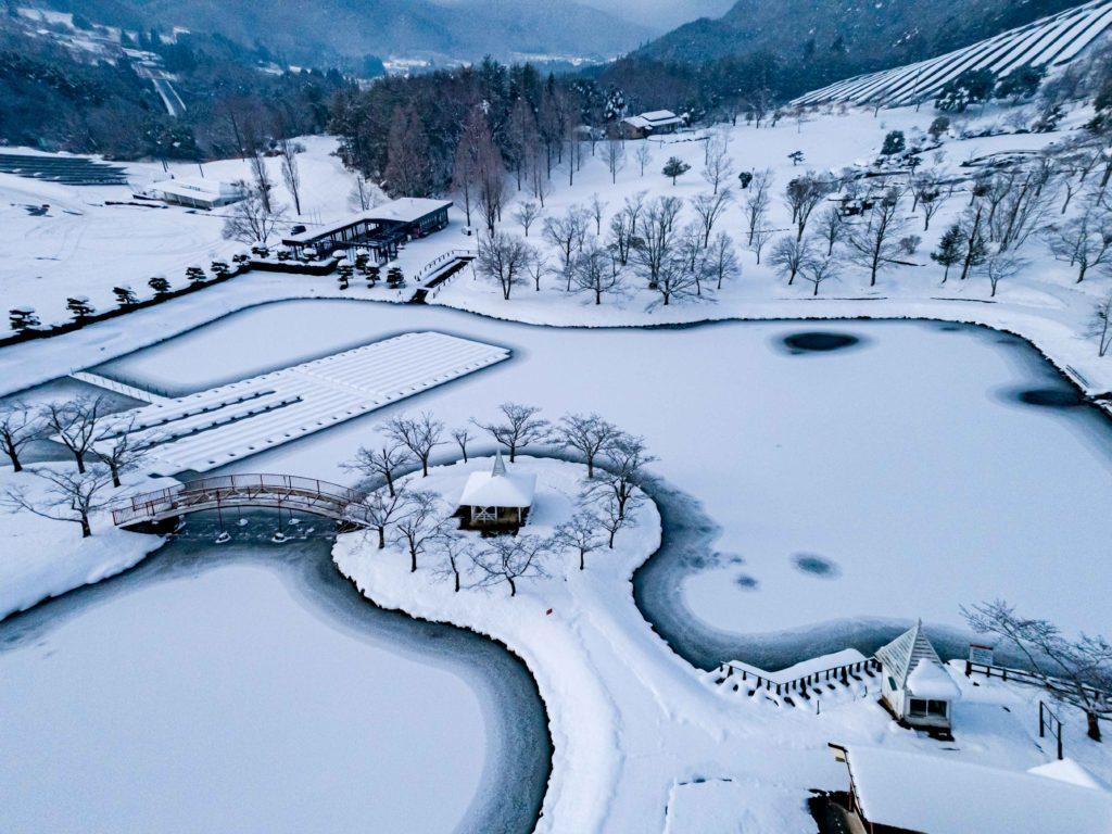 雪のニュージーランド村空撮